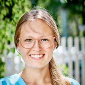 Zahnmedizinische Fachangestellte Lisa Bachert - Zahnarztpraxis-Hocke